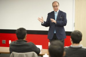 Aoun discusses leadership with SGA