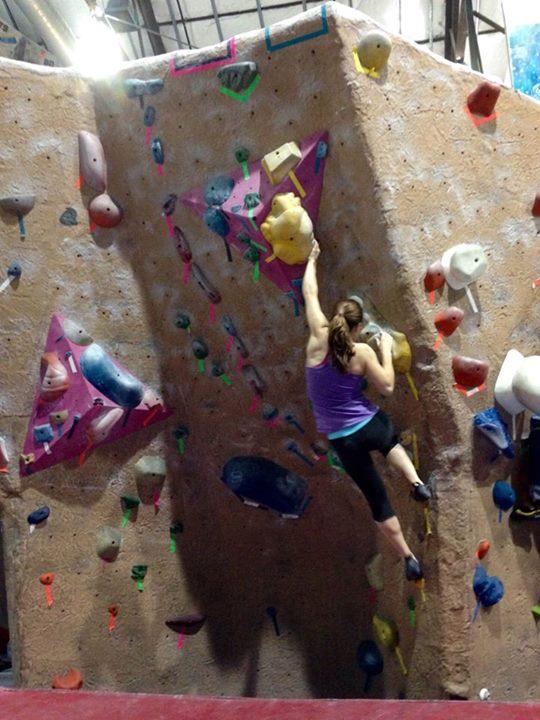 24+Huskies+rock+climb+in+club