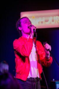 BØRNS energizes crowd with indie-pop