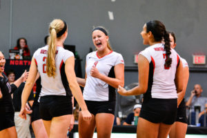 Volleyball defeats UMass Lowell, 3-2