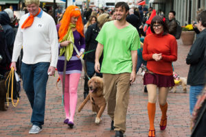 Halloween Pet Parade features costumes, cats and more