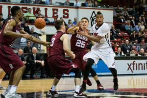 Basketball narrowly defeats Harvard, 80-71