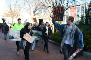 Column: By investing rather than divesting, Northeastern exhibits hypocrisy
