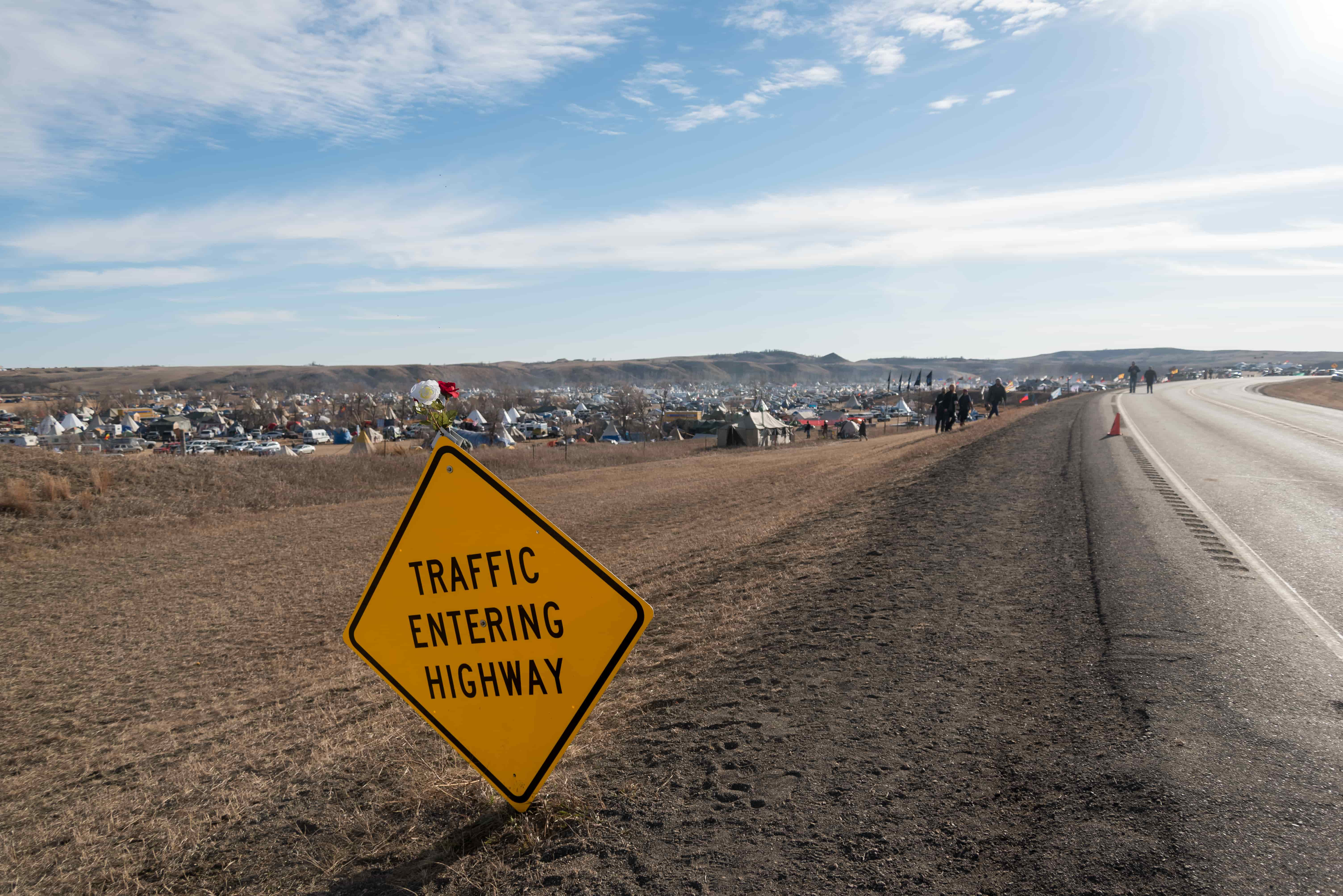 The+road+from+Backwater+Bridge%2C+which+was+closed+by+authorities%2C+and+is+one+of+the+two+ways+to+reach+Oceti+Sakowin+on+Saturday%2C+Nov.+26.