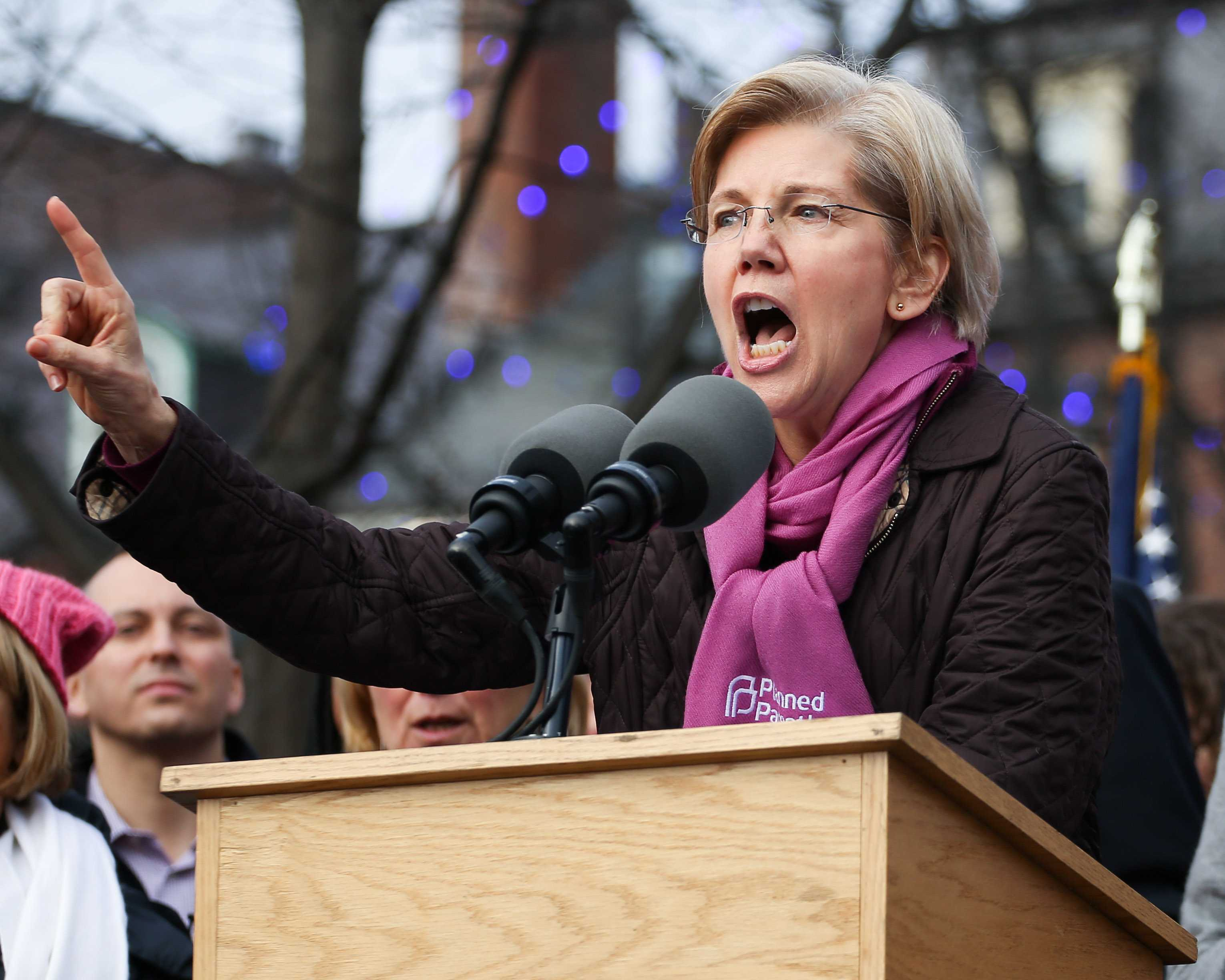 %22We+can+whimper%2C+we+can+whine+or+we+can+fight+back.+Me%3F+I%27m+here+to+fight+back%2C%22+Elizabeth+Warren+said.+%22That%27s+why+we%27re+here+today.+...+We+stand+shoulder-to-shoulder+to+be+clear+that+we+are+here%2C+we+will+not+be+silent%2C+we+will+not+play+dead%2C+we+will+fight+for+what+we+believe+in.%22+