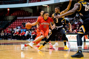 Missed shots result in lost sweep for men's hoops