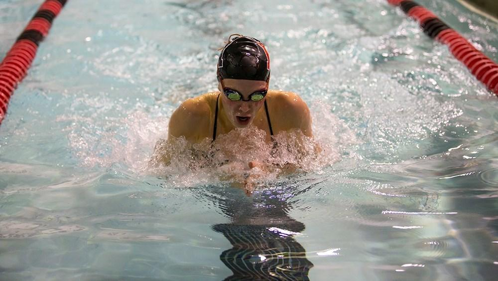 Swimming and diving looks to finish top three