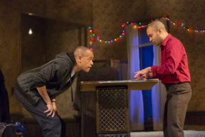 Review: 'Topdog/Underdog' is a potent, focused work
