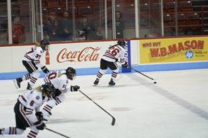 Women's hockey splits weekend series against Maine