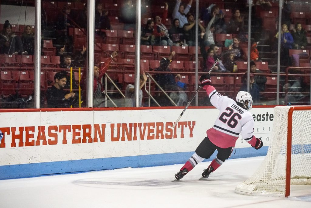 Men's hockey earns weekend sweep over UMaine, takes first in Hockey East