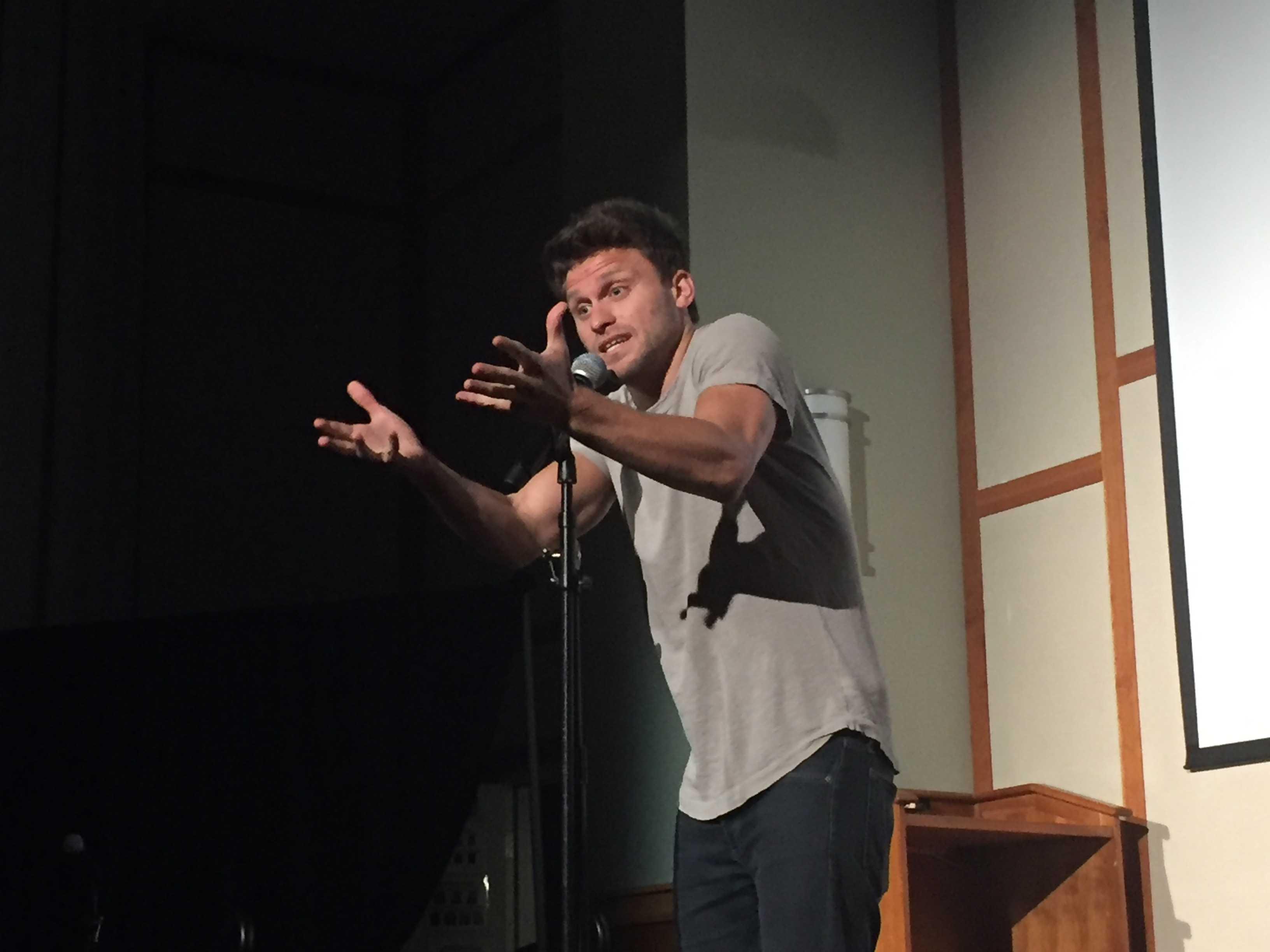 Jon Rudnitsky jokes with the audience. / Photo by Ashley Wong