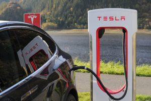 Tesla promotes opportunities for women engineers