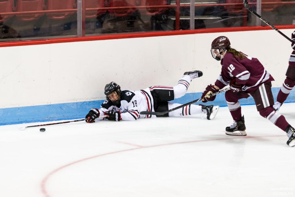 Women's Hockey splits weekend series with Colgate