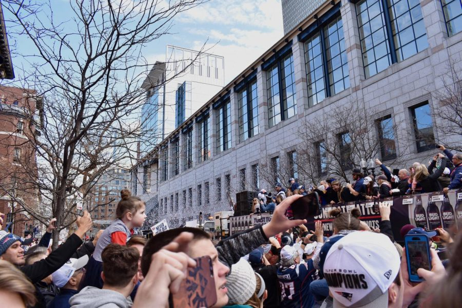 Patriots+fans+gathered+on+Boylston+Street+watch+the+duck+boats+go+by.+