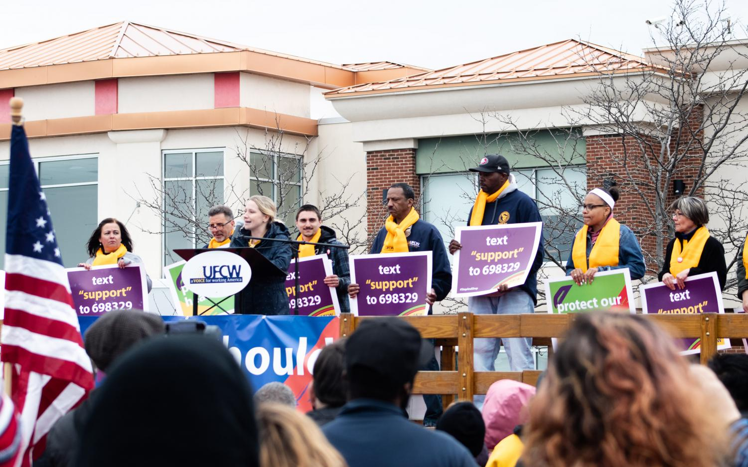 A+group+of+regional+Stop+%26+Shop+employees+addresses+the+crowd+at+the+rally+in+Dorchester.+