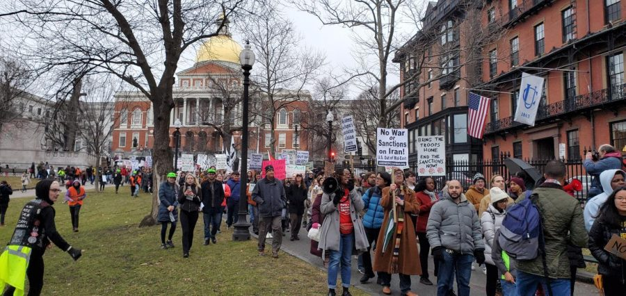 Protestors+marched+from+in+front+of+the+State+House+to+Downtown+Crossing.