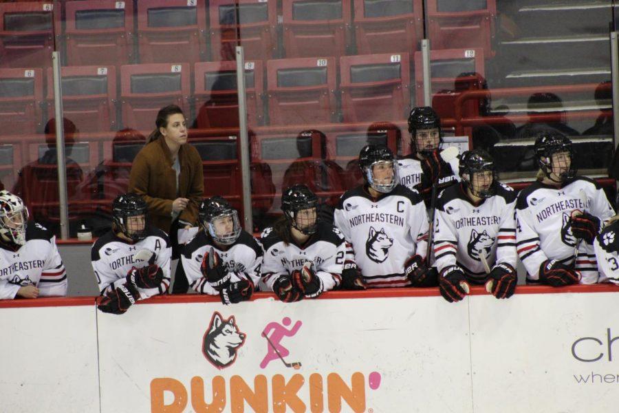 Philips gets third straight shutout as women's hockey trounces UConn