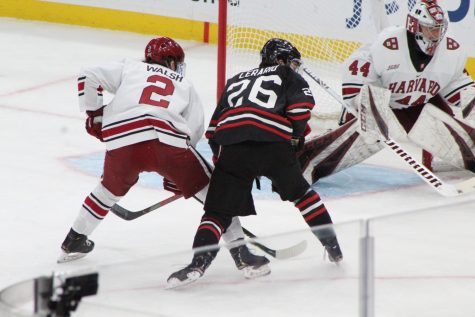 Men's hockey's winning streak over Maine Black Bears comes to an end, 4-2