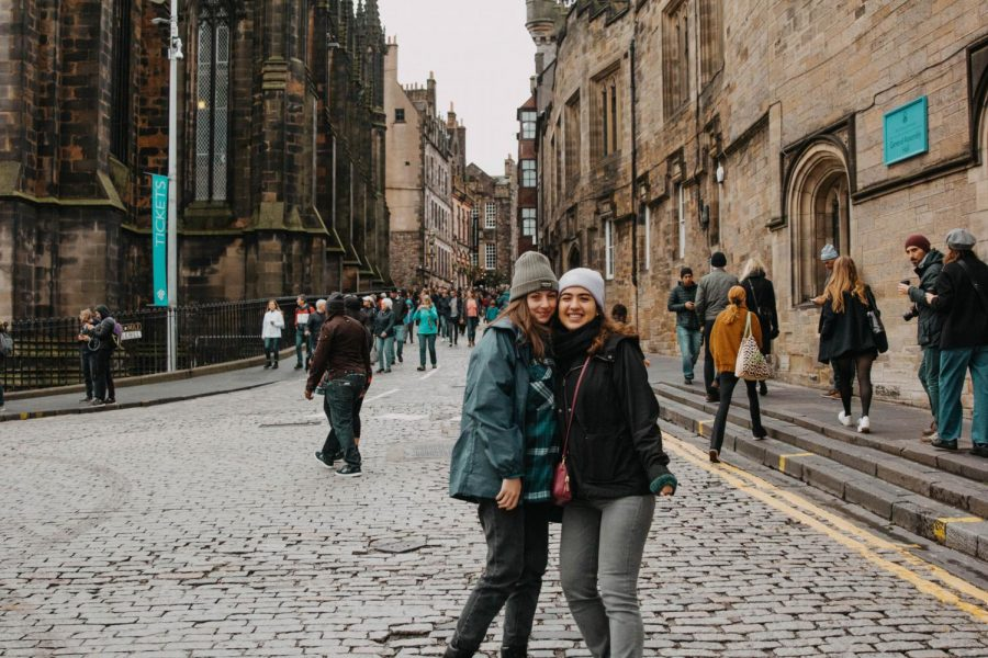 First-years Antonella Velaoras and Eda Kececi participated in NU.in England.