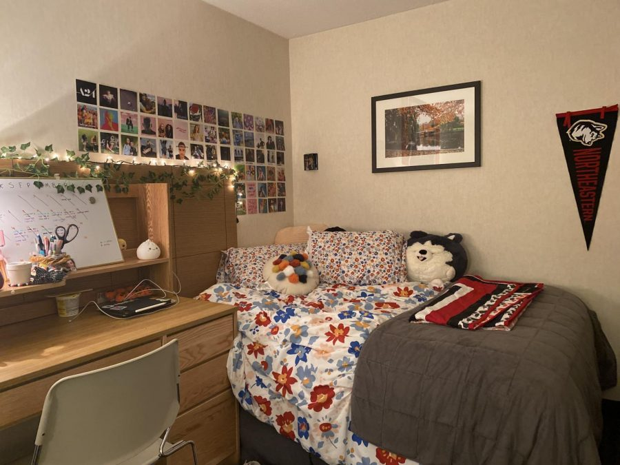 A first-year student's bedroom in the Midtown Hotel.
