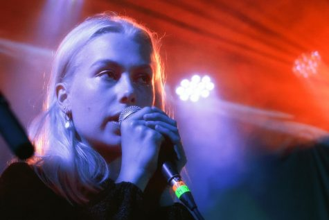 """Phoebe Bridgers"" by davidjlee is licensed under CC BY-SA 2.0"