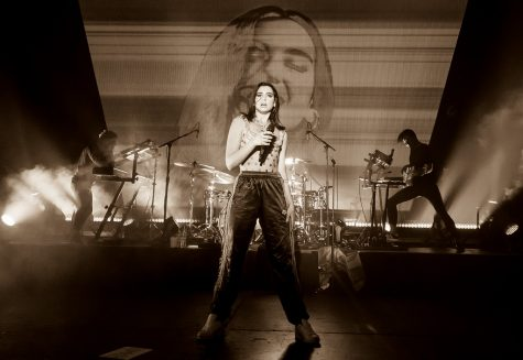 """Dua Lipa 02/12/2018 #41"" by jus10h is licensed with CC BY 2.0. To view a copy of this license, visit https://creativecommons.org/licenses/by/2.0/"