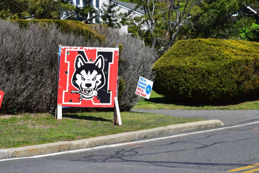 Residents of Nahant voted