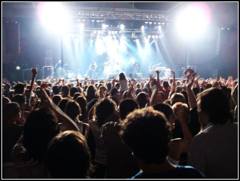The Crowd in the Concert by BockBilbo is licensed under CC BY-NC-SA 2.0